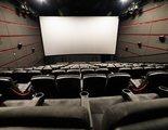 Cinéfilos y trabajadores de la industria protestan ante el cierre de los cines en Cataluña por los rebrotes
