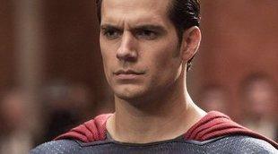 #SnyderCut: Primer vistazo a Superman con el traje negro