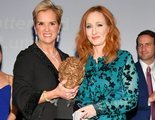 J.K. Rowling devuelve un premio a los derechos humanos para defender su visión de las personas trans