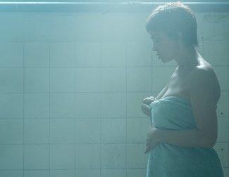 Así ha sido rodar el intenso séptimo episodio de 'Veneno'