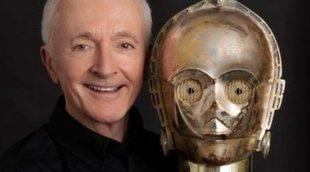 """Anthony Daniels sobre los fans que se toman en serio 'Star Wars': """"Le dan demasiadas vueltas"""""""