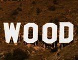 Unos activistas cambian el cartel de Hollywood por 'HollyBoob' para concienciar sobre el cáncer de mama