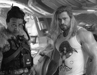Los brazos de hierro de Chris Hemsworth celebran el fin de rodaje de 'Thor 4'