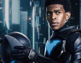 'Batwoman' revela la primera imagen de Camrus Johnson como Batwing