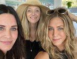 Courteney Cox pasa el 4 de julio en la mejor compañía: con sus compañeras de 'Friends' y Laura Dern