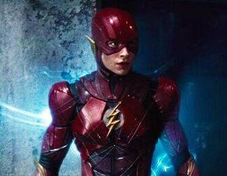 'The Flash': Filtradas fotos del rodaje con primer vistazo al Batmóvil y la Batcueva