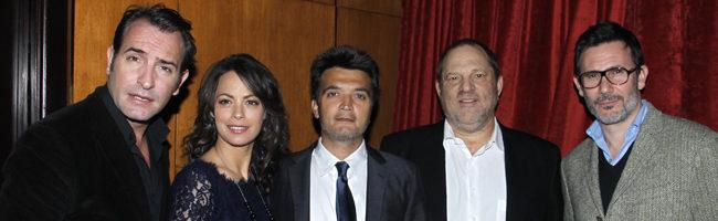 Los hermanos Weinstein con el equipo de 'the artist'