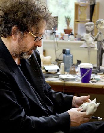 Tim Burton trabajando en Frankenweenie
