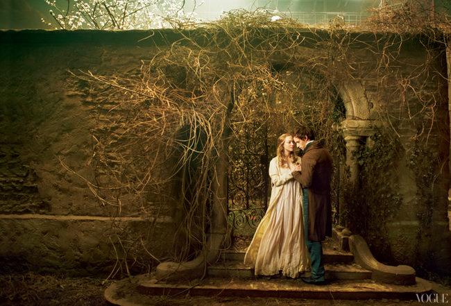 Amanda Seyfried y Eddie Redmayne como los amantes Cosette y Marius