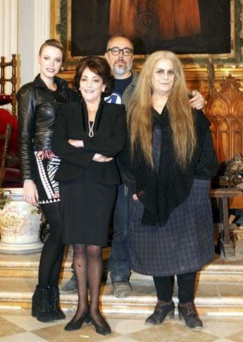 Álex de la Iglesia, Carolina Bang, Carmen Maura y Terele Pávez en el rodaje de Las brujas de Zugarramurdi