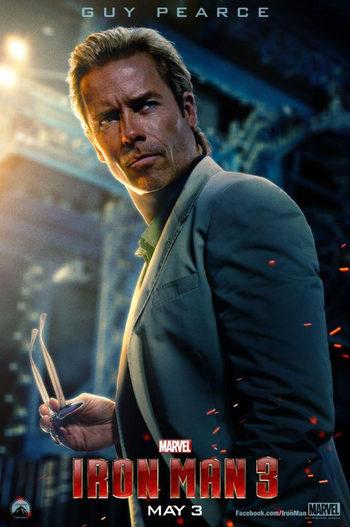 Guy Pearce como el Dr. Aldrich Killian