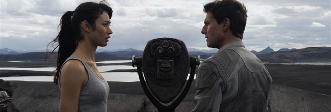 Olga Kurylenko y Tom Cruise
