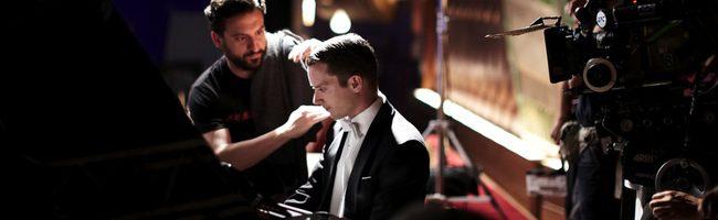 Eugenio Mira y Elijah Wood en el rodaje de Grand Piano