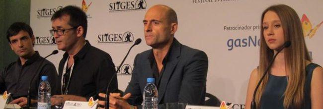 Jorge Dorado - Mark Strong - Taissa Farmiga