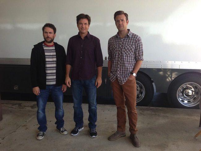 Charlie Day, Jason Bateman y Jason Sudeikis en el rodaje de Cómo acabar con tu jefe 2