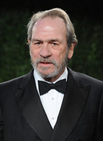 Tommy Lee Jones se une a Gary Oldman y Kevin Costner en 'Criminal'