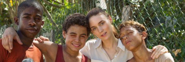 Rooney Mara con los niños