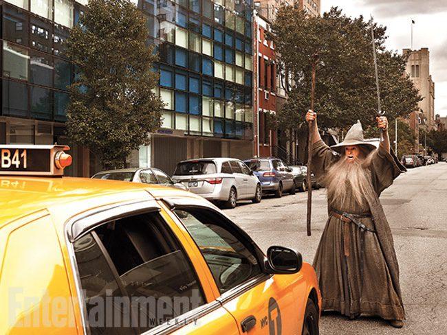 Stephen Colbert como Gandalf haciendo el No puedes pasar