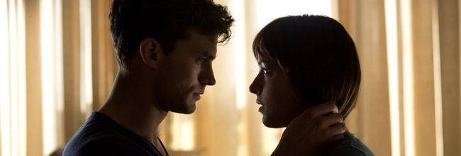 Jamie Dornan y Dakota Johnson en 'Cincuenta sombras de Grey'