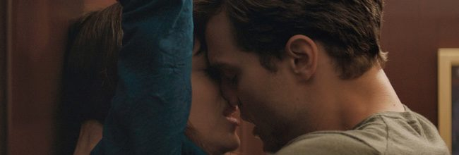 Dakota Johnson y Jamie Dornan en 'Cincuenta sombras de Grey'