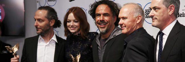 El equipo de 'Birdman' tras vencer en los Spirit Awards