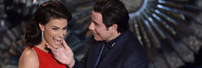 Idinal Menzel y John Travolta
