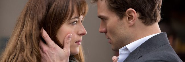 Dakota Johnson y Jamie Dornan en 'Cincuenta sombras de Grey'