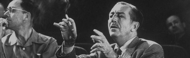 Walt Disney fumando