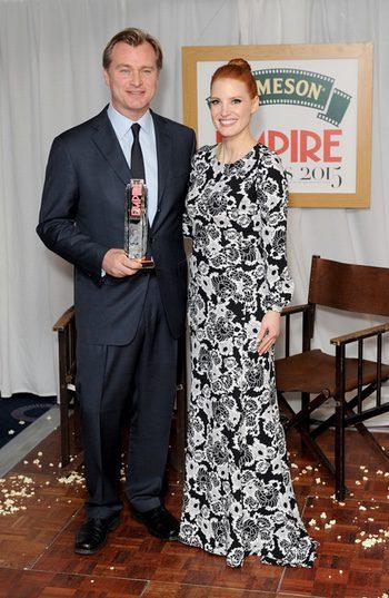 Chirstopher Nolan y Jessica Chastain en los Empire Awards 2015
