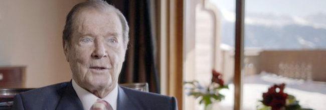 Roger Moore desmiente sus comentarios racistas hacia Idris Elba y 'James Bond'