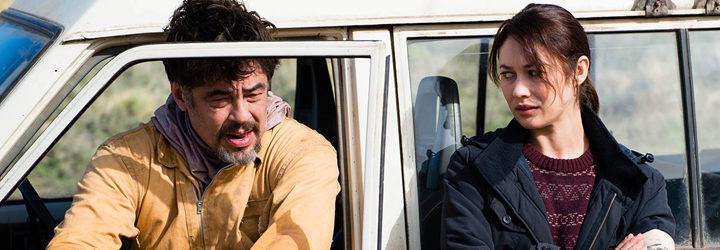 Benicio del Toro y Olga Kurylenko en 'Un día perfecto'