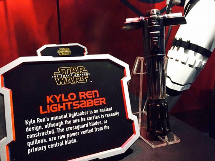 cartel Disneyland sable laser Kylo Ren