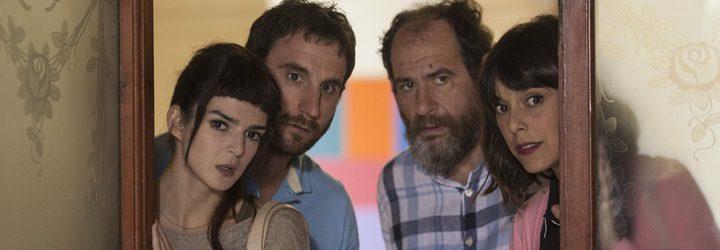 Belén Cuesta asesora a los personajes de Clara Lago y Berto Romero