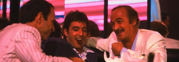 Fotograma de la película 'El precio del poder (Scarface)' con Robert Loggia a la izquierda
