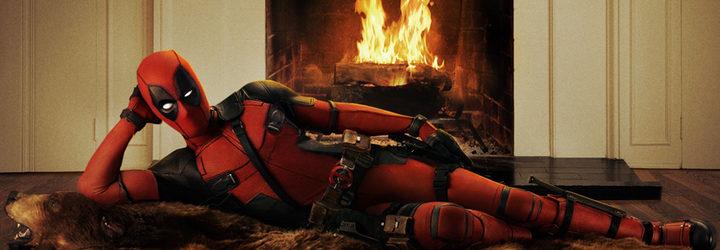 Deadpool felicitando la acción de gracias desde el set