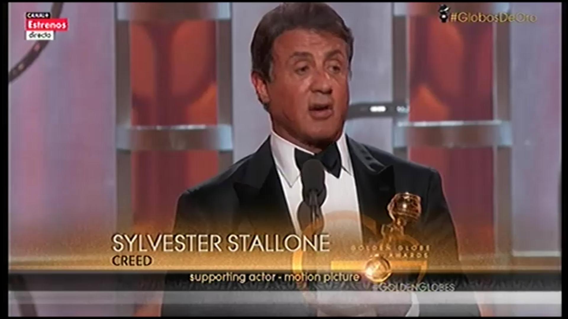 Un emocionado Sylvester Stallone recogiendo por fin, su Globo de Oro