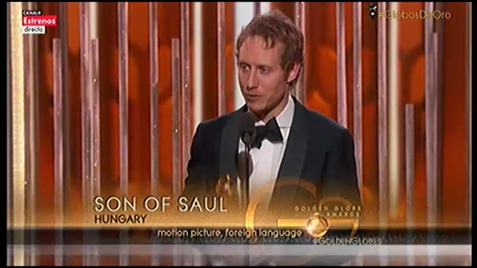 László Nemes, el director de el 'Hijo de Saul', recogiendo el Globo de Oro