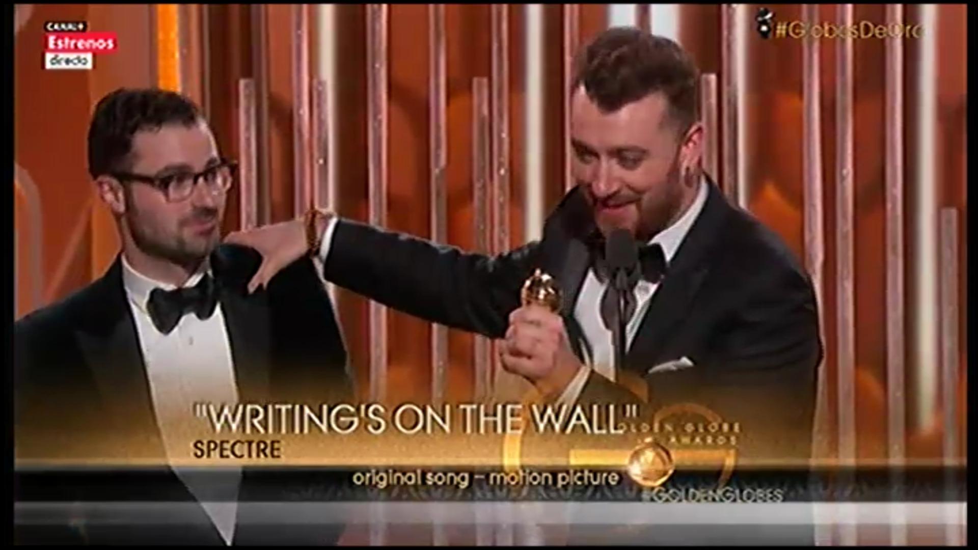 Sam Smith recoge el Globo de Oro a Mejor Canción Original por 'Writing's On the Wall' de 'Spectre'