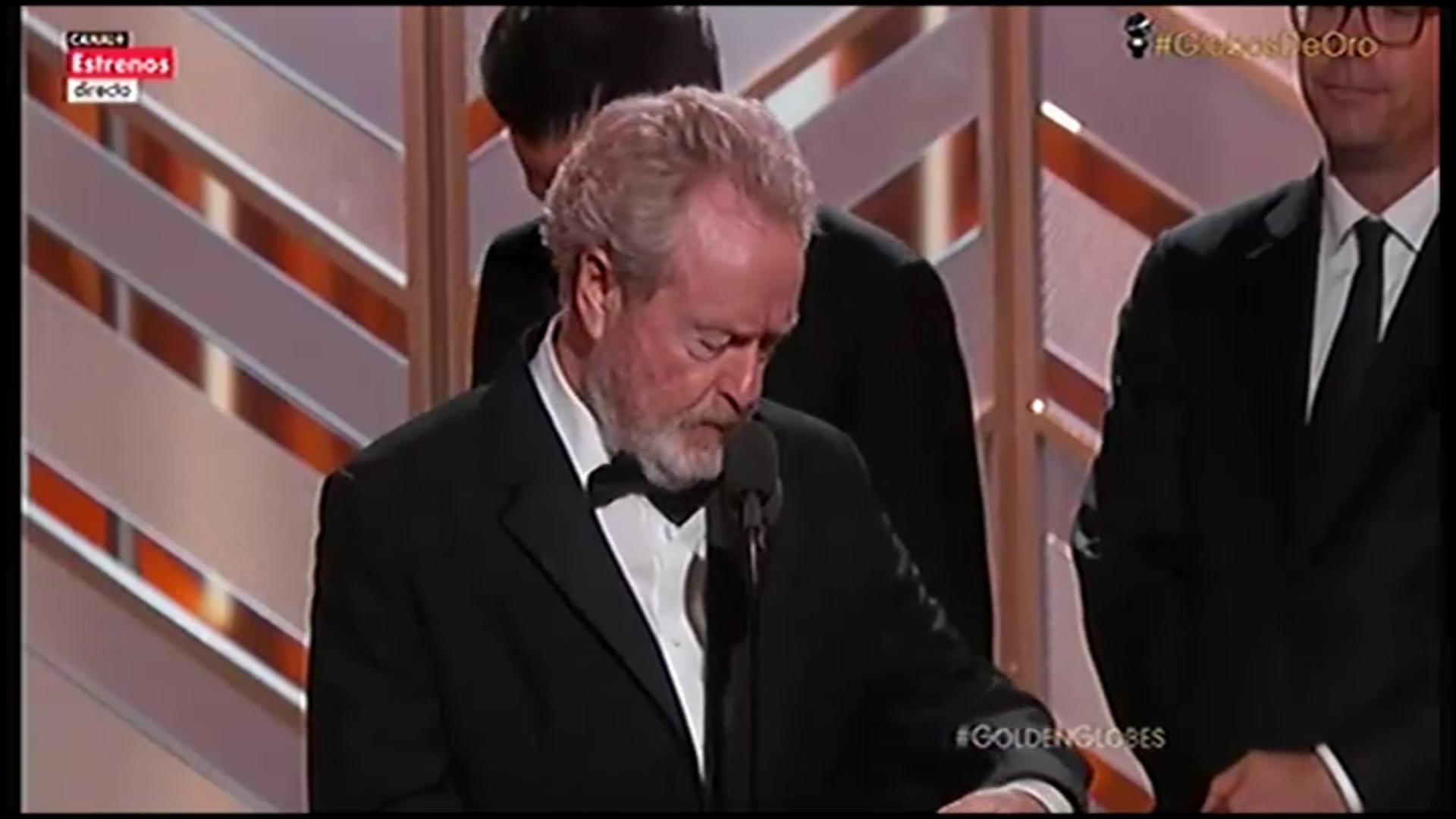 Ridley Scott en el escenario con su Globo de Oro