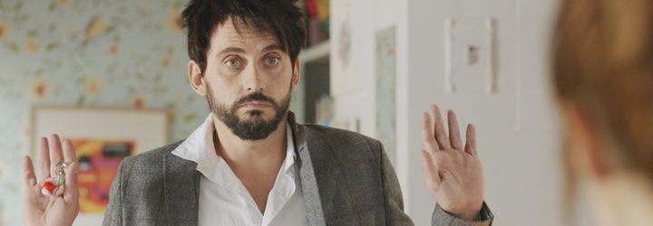 Paco León interpreta a Fran, un hombre que se obligado a satisfacer los deseos de su pareja