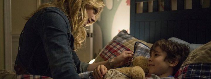 Chloë Grace Moretz y Zackary Arthur en 'La quinta ola'