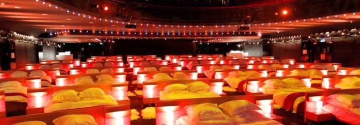 Olympia Music Hall ofrece un cine francés con camas