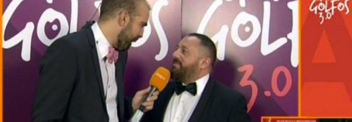 Pepón Nieto siendo entrevistado por un reportero de RTVE
