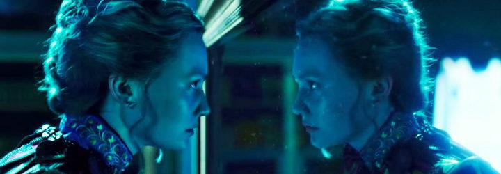 Alicia a través del espejo