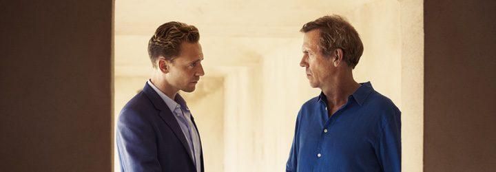 Tom Hiddleston y Hugh Laurie en 'El Infiltrado'