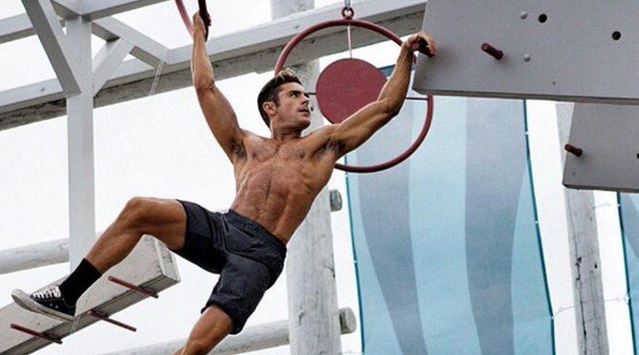 Zac Efron entrenando