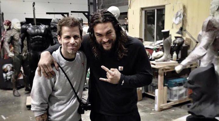 Zack Snyder Jason Momoa en una foto publicada en las redes sociales