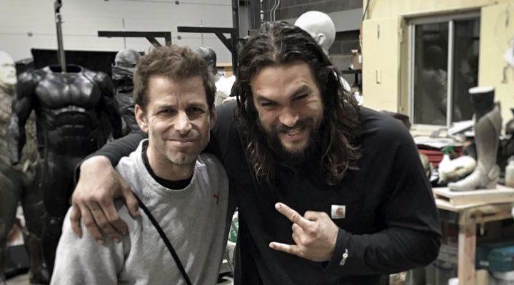 Zack Snyder y Jason Momoa en el taller de 'La Liga de la Justicia'