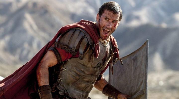 Fotograma de 'Resucitado' con Joseph Fiennes