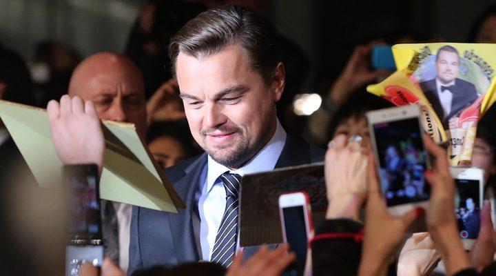 DiCaprio en plena premiere de 'El renacido' celebrada en Tokio